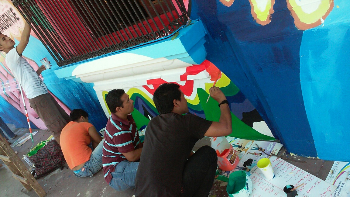 Participants fill in mural details.
