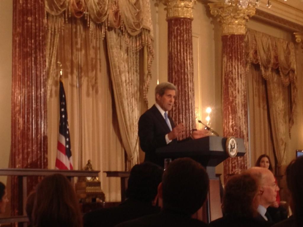 Secretary Kerry addresses inaugural Goldman Sachs 10,000 Women / U.S. State Department Entrepreneurship Program participants in the Benjamin Franklin State Dining Room.