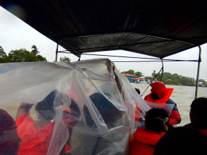 The boat ride to Laguna de Perlas was wet.