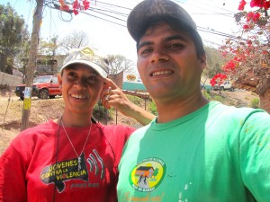 Trained assistants Wendy Meraz and Walter Figueroa led workshops and facilitated the mural sessions with the community