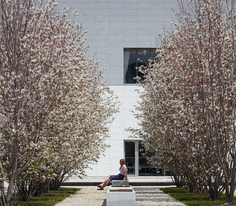 The Aga Khan Museum, designed by Fumihiko Maki, and the Ismaili Centre, Toronto, designed by Charles Correa, are located in the grounds of the Aga Khan Park. © AKDN